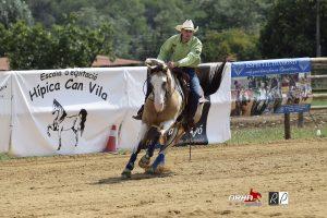 Adrián Zornoza y TK Bloka Tari Jet Campeón 2018 Novice Rider 2 Hands, 138,5 puntos